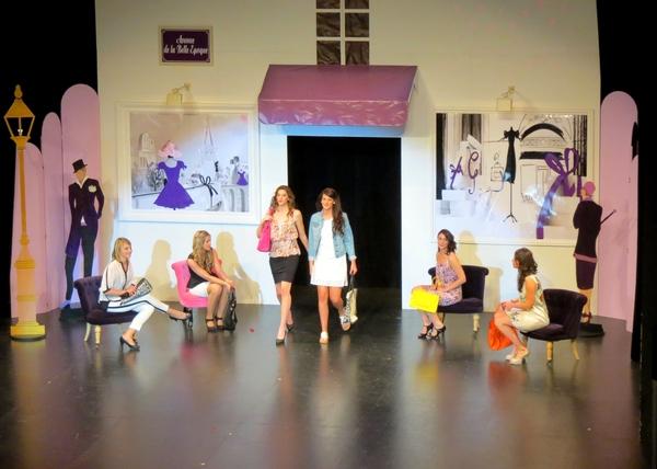 Les défilés de mode des Vitrines Châtillonnaises, pendant le spectacle de l'élection de Miss Côte d'Or 2014