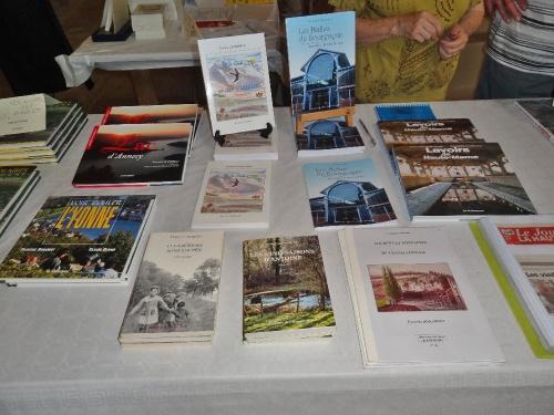 La biennale 2011 du livre à Jully..