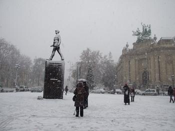 p15-paris-neige-8dec10-f0255-hug