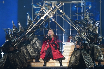Madonna - Rebel Heart Tour - 2015 10 01 - Detroit, MI, USA (40)