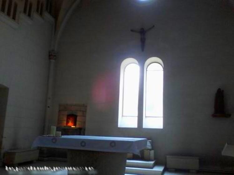 L'abbaye Sainte-Marie du Rivet ou abbaye Notre-Dame du Rivet est une abbaye cistercienne située sur la commune d'Auros, dans le département de la Gironde, en France