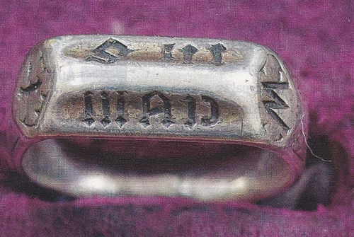 L'anneau de la discorde...