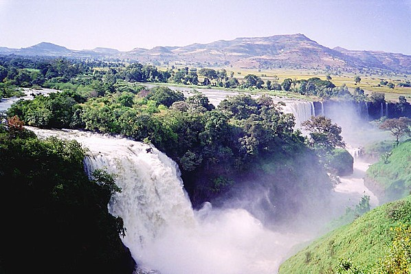 800px-Blue Nile Falls-01, by CT Snow