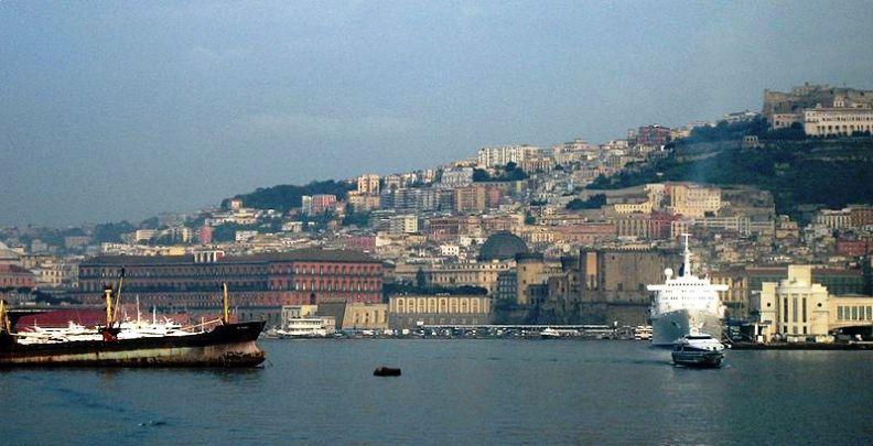 800px-Napoli-porto01.jpg