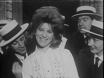 1963 : les chemisiers brodés. Chapitre I : le blanc