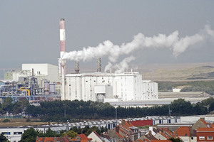 "usine Tioxide et au fond la trop fameuse ""jungle"""