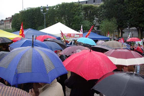 Des centaines de manifestants pour des milliers de pétitions