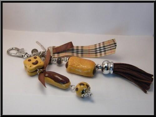Porte clé/bijoux de sac gâteaux viennoiseries au chocolat