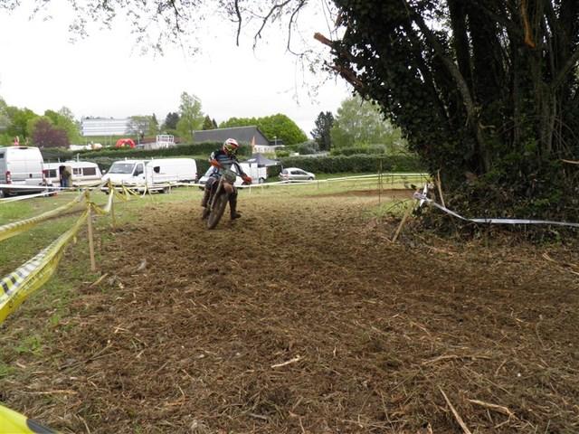 Blog de sylviebernard-art-bouteville : sylviebernard-art-bouteville, Uzerche - Championnat de France d'Enduro 26-27 avril 2014