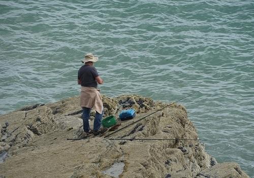 ... autre lieu, autre pêcheur...