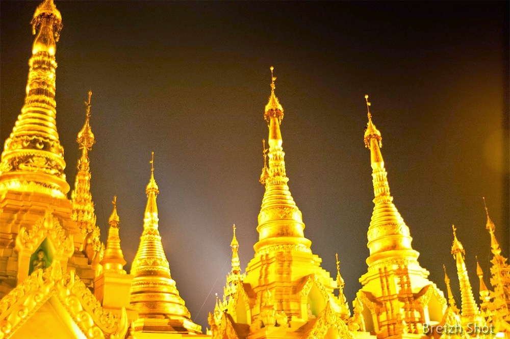 Shwedagon - Pagodons photo nocturne
