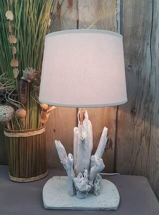 lampe en bois flotté cerusé blanc