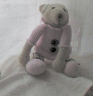 L'oursonne Louise au crochet (moyen modèle)