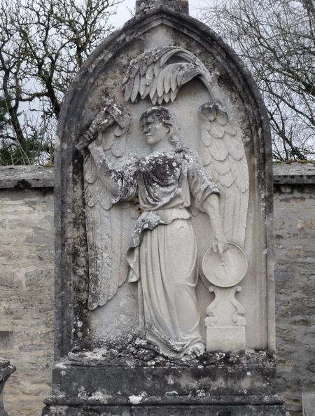 D'autres statues funéraires en Châtillonnais...