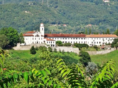 Kostanjevica et la crypte des derniers Bourbon en Slovénie (photos)
