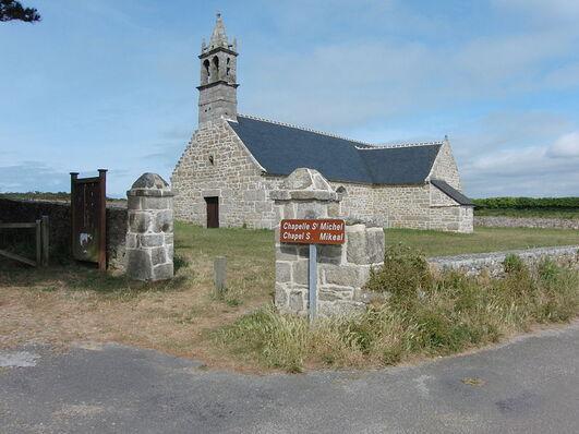 File:Plouguerneau, Chapelle Saint Michel.-.jpg