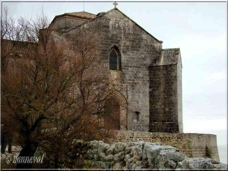 Talmont-sur-Gironde charente-Maritime Eglise Sainte Radegonde, portail entrée