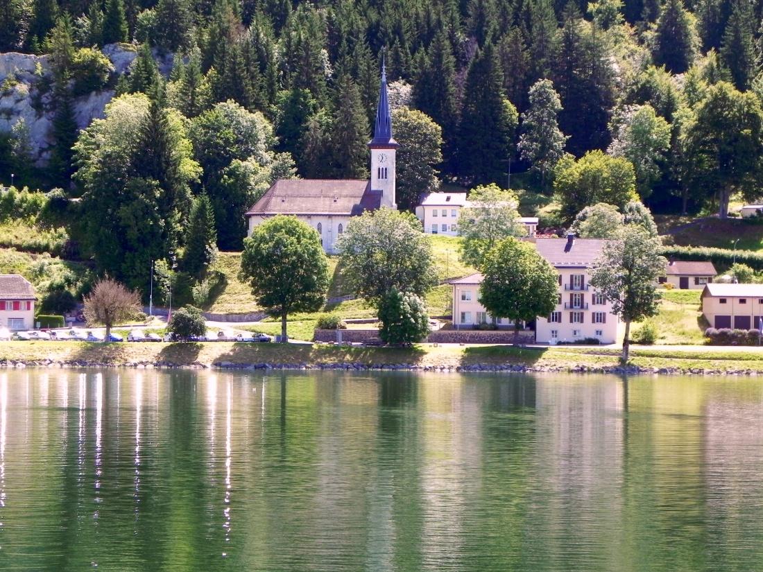 Reflets au lac de Joux en Suisse