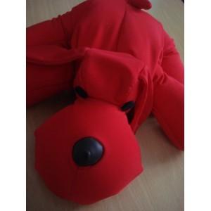 coussin-animal-rouge-en-microbilles-chien-40-cm