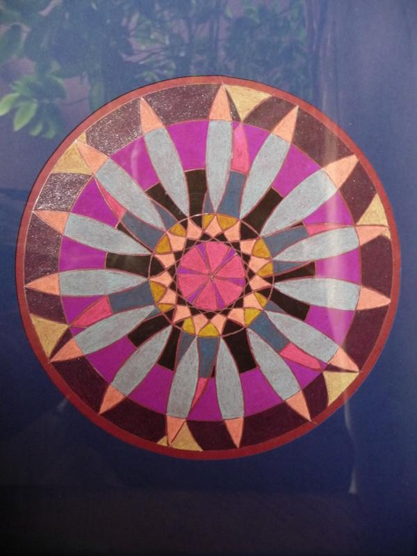 Blog de mimipalitaf : mimimickeydumont : mes mandalas au compas, ,normalement trois jours de beau temps...