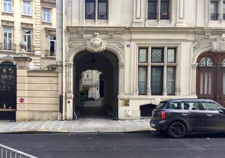 Une curiosité architecturale à deux pas du parc Monceau