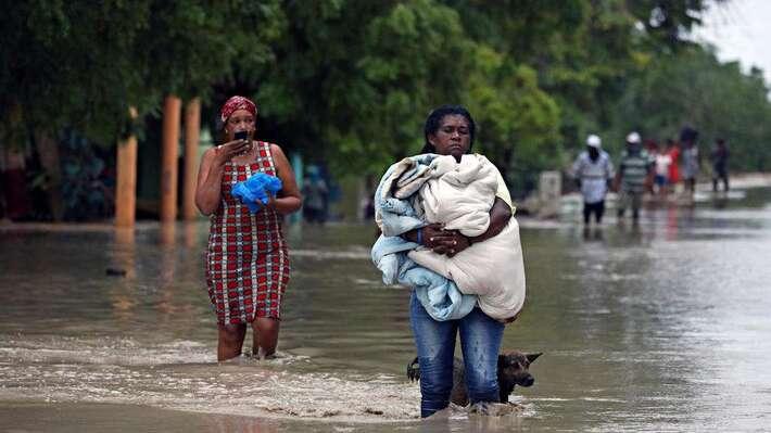 Après des inondations meurtrières aux Caraïbes, deux ouragans menacent la côte américaine