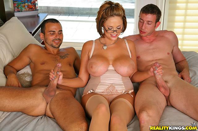 Trio & Groupes Boobs - 6 -