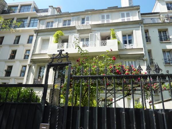 4 - Cité Lemercier - Hôtel de Jacques Brel