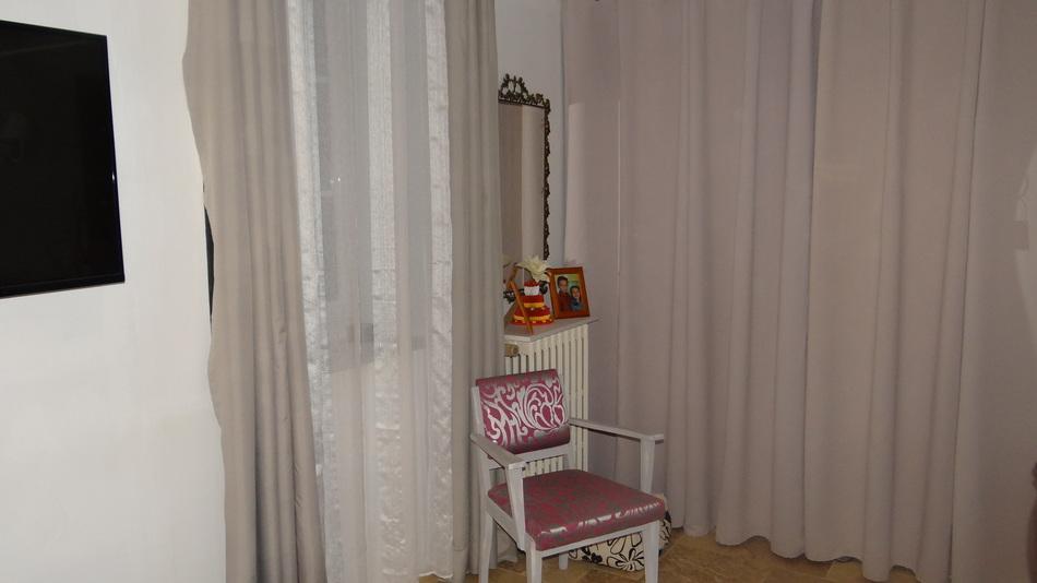 Dans Notre Chambre....