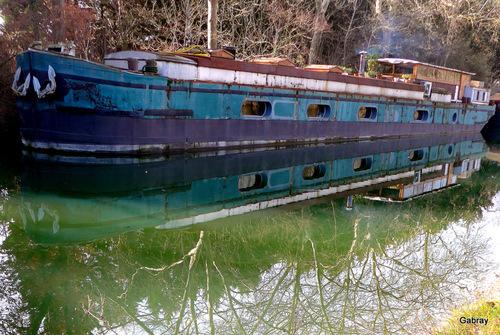 Canal du Midi: des péniches...