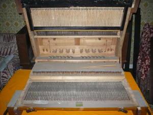 A l'intérieur du double clavier