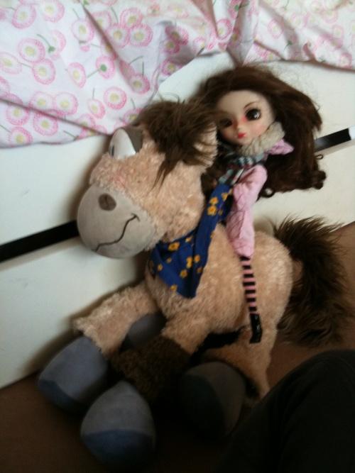 Equitation, Kelly, une cavalière...