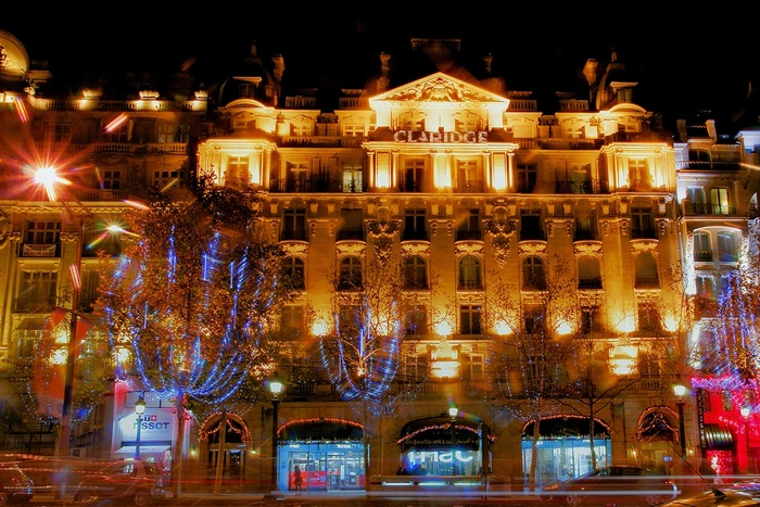 Paris la nuit à Noël- le Claridge
