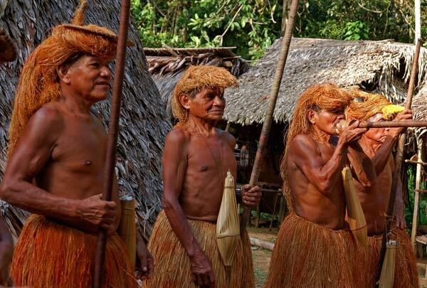 Indiens en Amazonie. Perou