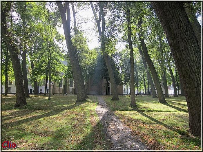 Bruges - Le Béguinage, à l' intérieur