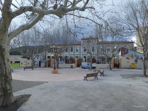 La mairie et les écoles de Vingrau