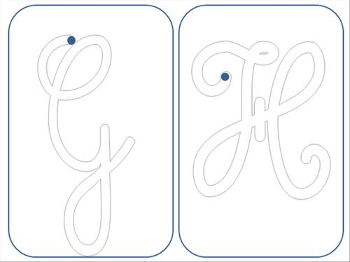 lettres majuscules cursives rugueuses