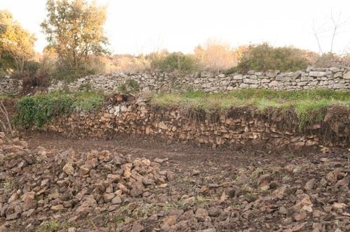 Cheminc Garenc début du mur après dégagement