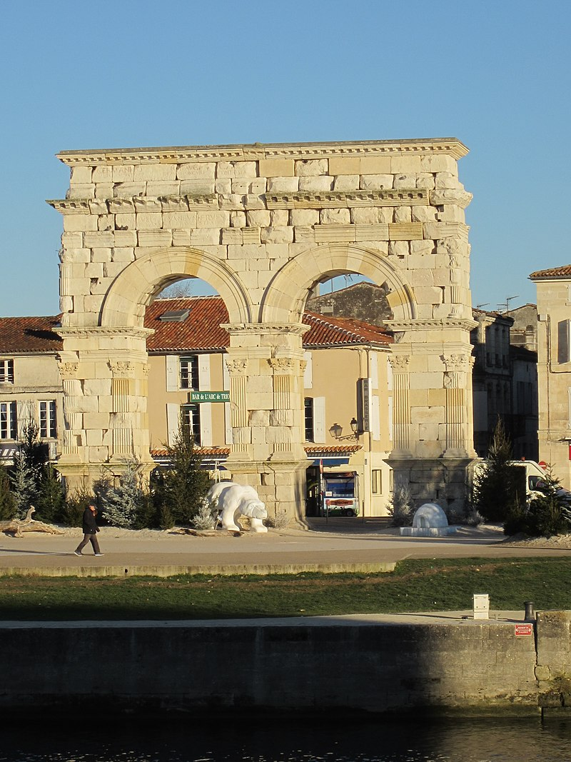 Saintes - Arc de Germanicus (2).jpg