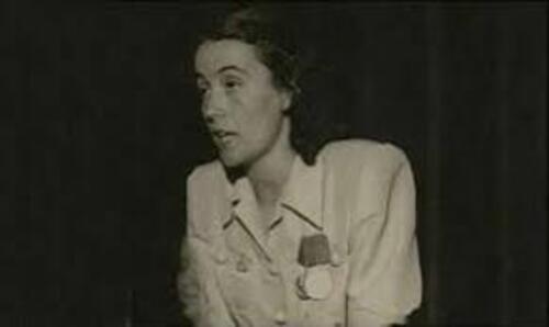 - Nexhmije Hoxha, exemple de communiste marxiste-léniniste