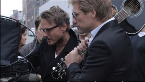 "JON BON JOVI pour un parfum d' avon ""UNPLEGGED"""