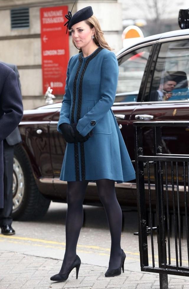 Bonus: Kate dans le métro