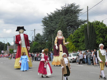 Les géants défilent