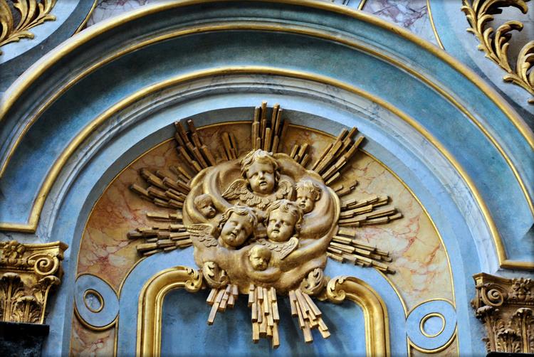 N-D de l'Assomption - Sculptures d'anges