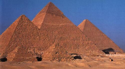 Voici la première Capsule sur les Pyramides et cônes de révolution