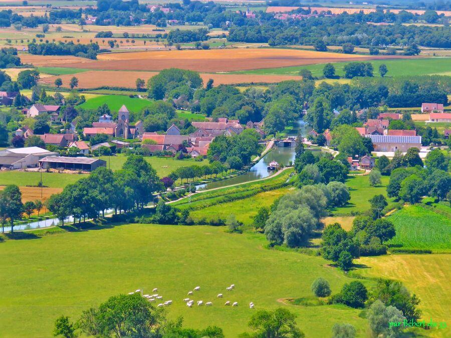Chateauneuf en Auxois (2)