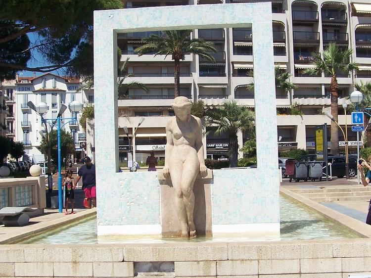 """Juan les Pins """"la place de la Baigneuse""""Alfonse Grebel 1885/1968"""