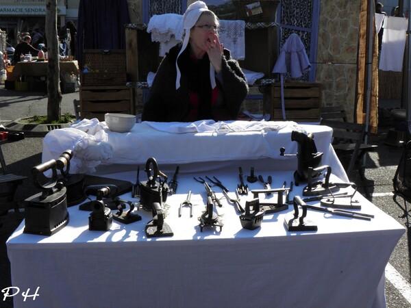 Marché à l'ancienne à Roquemaure(Gard)