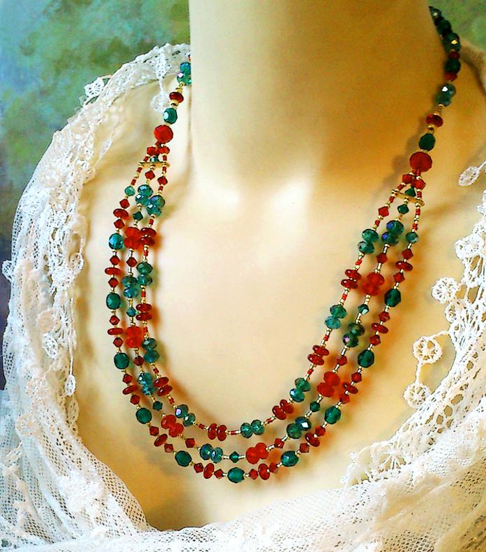 Collier 3 rangs Perles de Cristal Tchèque et Swarovsky / Plaqué Or