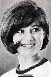 Mars 1965 : essais de coiffures.